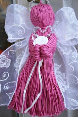 Crochet thread and ribbon angel 3