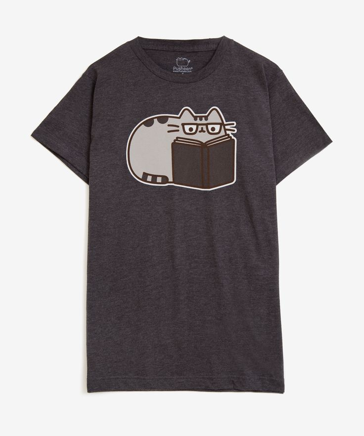 Reading Pusheen unisex T-shirt