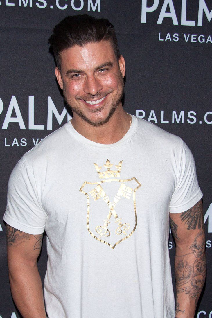 Jax Taylor Of Vanderpump Rules Caught On Video Stealing Sunglasses: Bravo Star Arrested Or Facing Felony Charges For Sunglass Caper?