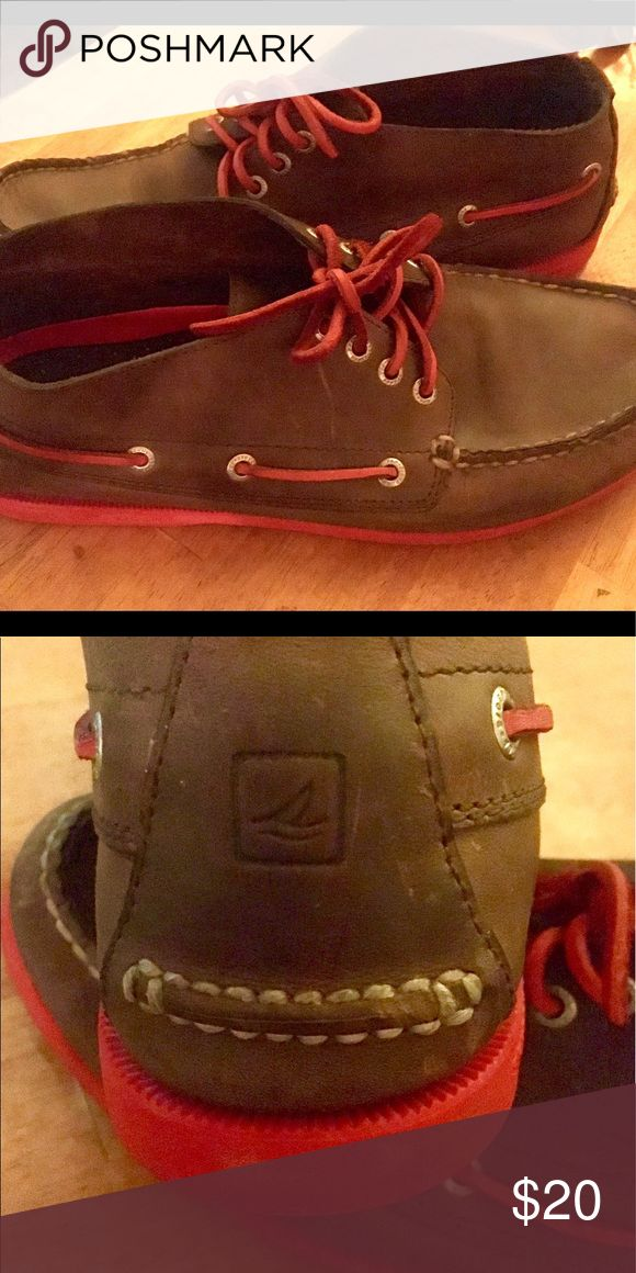 Sperry size 10. Quarter cut w Red leather laces Sperry size 10. Quarter cut w Red leather laces. Good shape. Great for fall with jeans for Saturday football games ! Any questions feel free to ask. Sperry Shoes