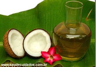 à noite: Aplique o óleo sobre a pele com uma massagem suave e remover c um pano úmido.   > Pés cansado: Em uma vasilha com água aquecida despeje 3 colheres de sopa de óleo de coco, p melhorar a mistura, um pouco de leite de coco e deixe os pés por cerca de 10 minutos. > Os bebês amam massagem com óleo de coco.  Adultos: pele seca e escamosa, adicionar um pouco de sal marinho no óleo de coco e usá-lo como um esfoliante para o corpo.