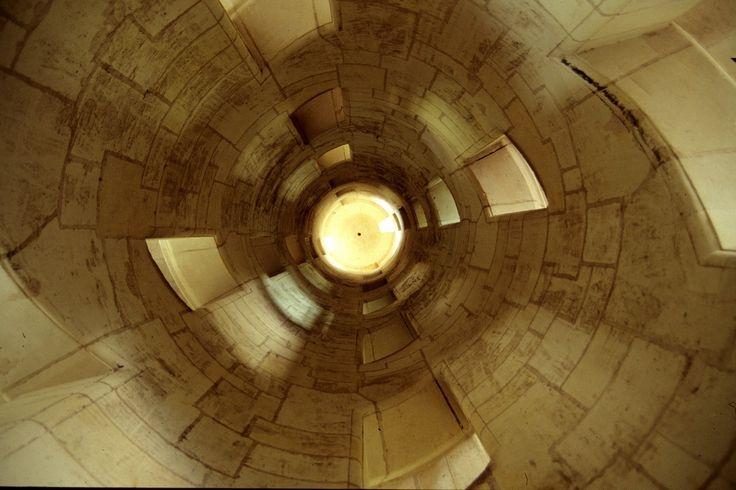 Francia, i Castelli della Loira: il Castello di Chambord, scalone, l'interno