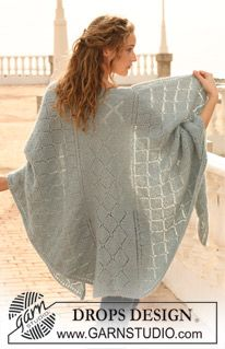 "DROPS shawl in garter st with lace pattern in ""Alpaca"" and ""Kid-Silk"". ~ DROPS Design"