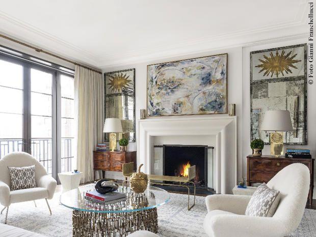 Un appartamento a Manhattan arredato con elementi gemelli: la perfetta simmetria di elementi doppi connota gli interni decorati dal duo Kirsten Kelli.