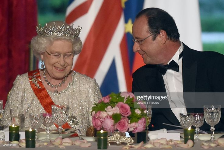 French President Francois Hollande and Queen Elizabeth ll attend a State Banquet at the Elysee Palace on June 6, 2014 in Paris, France. (Photo by Anwar Hussein/WireImage)