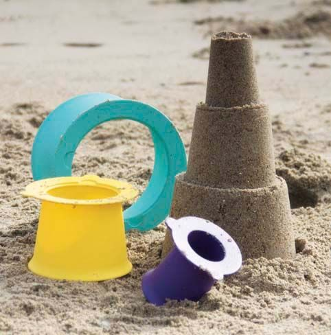 Alto is a three-part toy inspired by professional sand-builders. No need for multiple buckets... simply fill, press and form, now your multi-layered tower is complete!