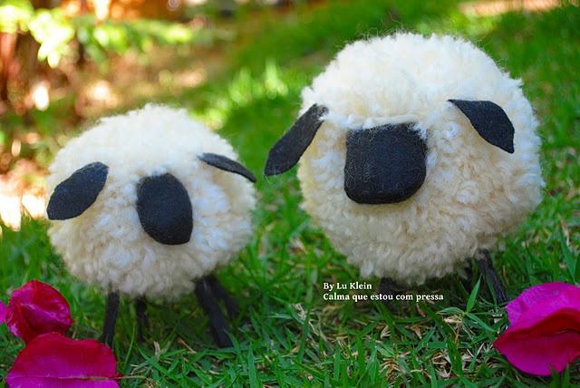 ovelhas feitas com pompom de lã e pernas de prendedores Lucia klein, sheet