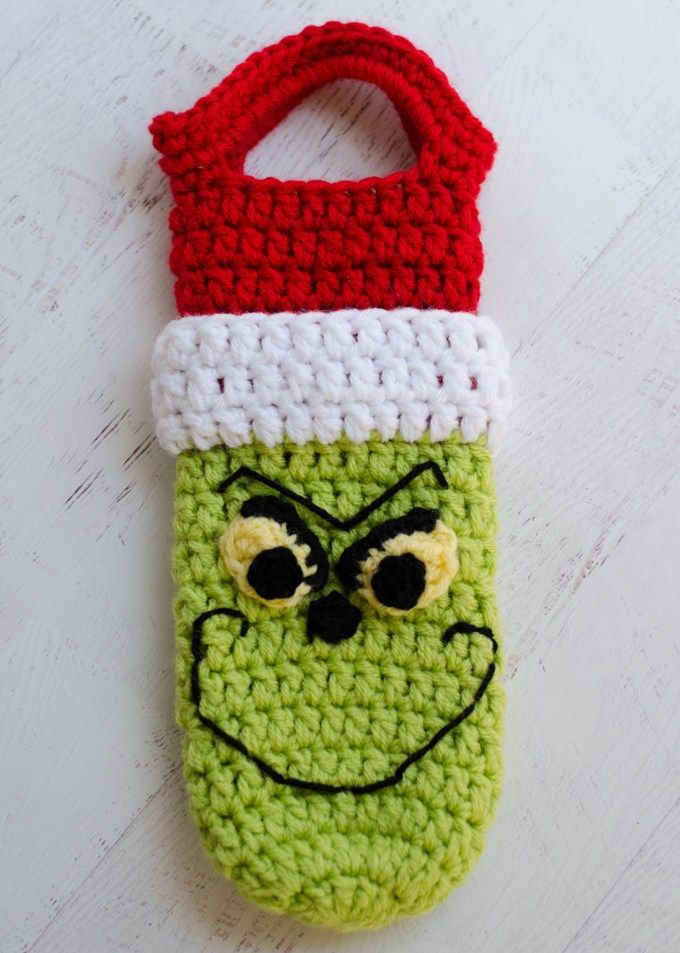 Crochet Grinch Wine Cozy Pattern | Dr seuss | Pinterest