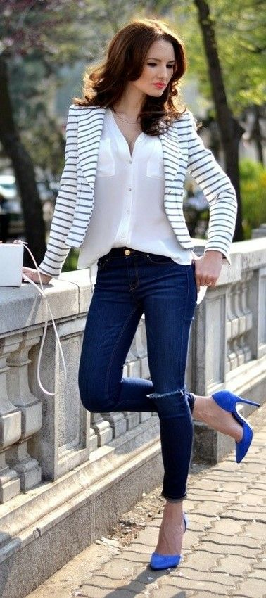 Smartly Dressing Business Casual Attire for women