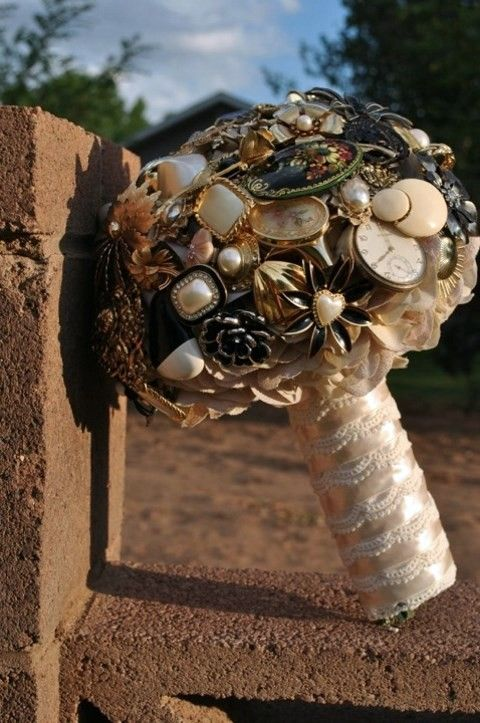 46 Fun Steampunk Wedding Bouquets | HappyWedd.com