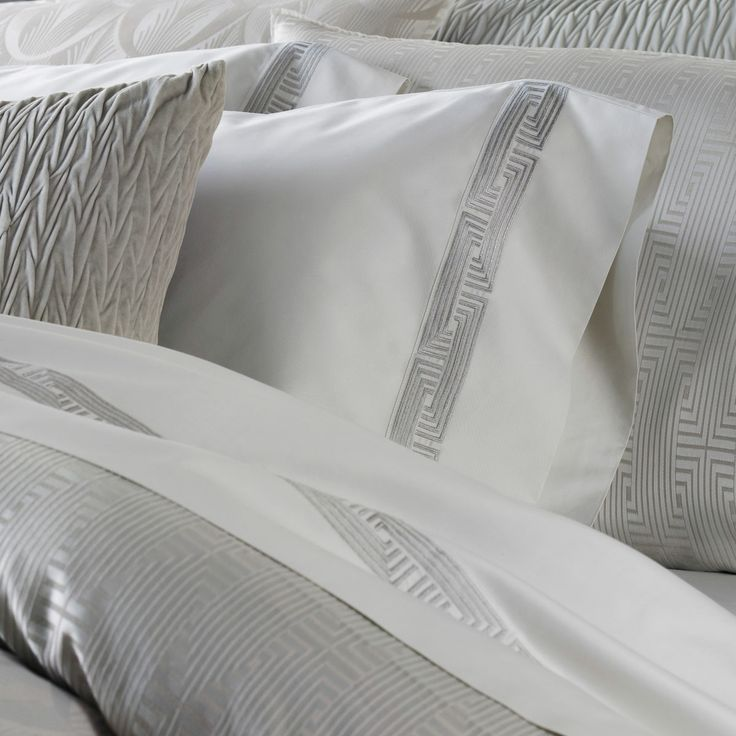 122 best images about the best in bedding on pinterest for Harlowe bed