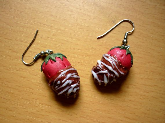 Chocolate covered strawberries earrings !!! dont you want to eat????