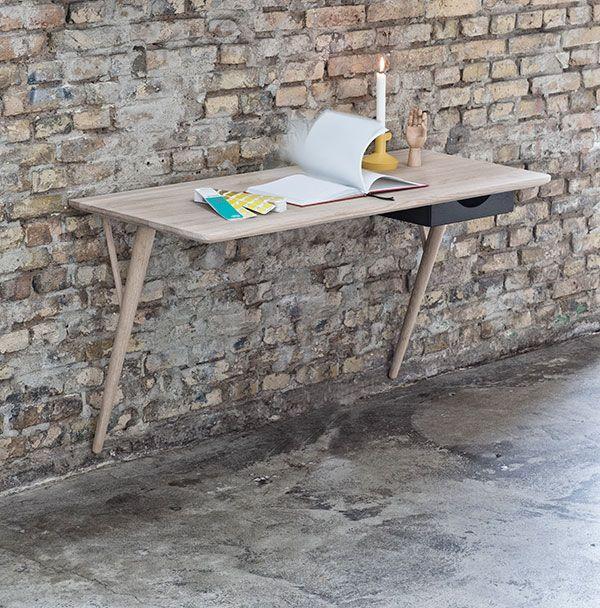 Desk by Stella Graversen via that nordic feeling