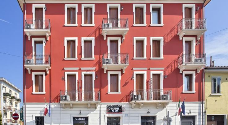 Verona Class Verona Located 2.5 km from Verona historic centre, Residence Verona Class offers modern air-conditioned apartments and studios, 800 metres from Verona Trade Fair. Both WiFi and parking are free of charge.