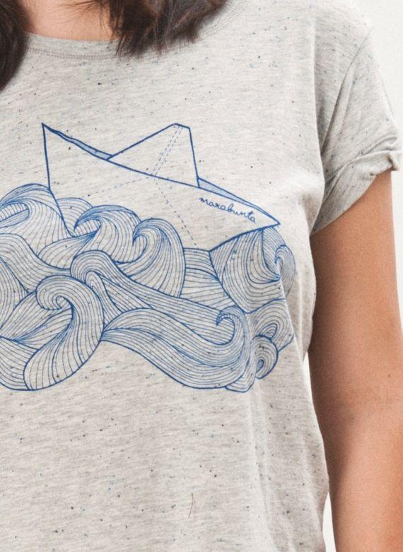 Detalle camiseta Paper Boat