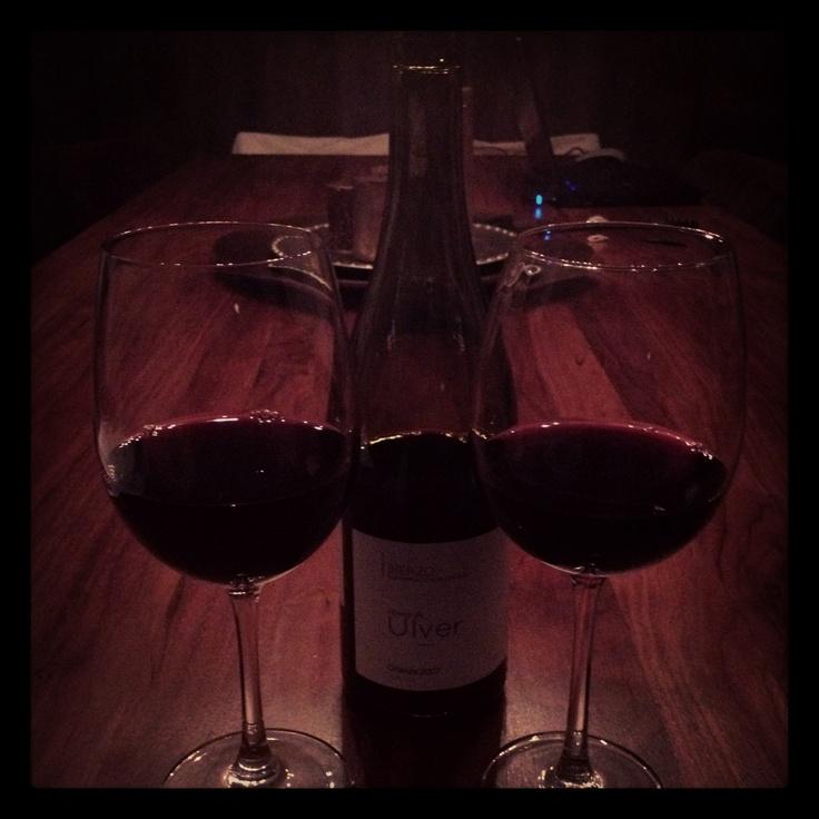 Gewoon een lekker glaasje Ulver thuis met Natas...
