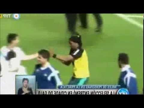 Ronaldinho vs Messi - YouTube