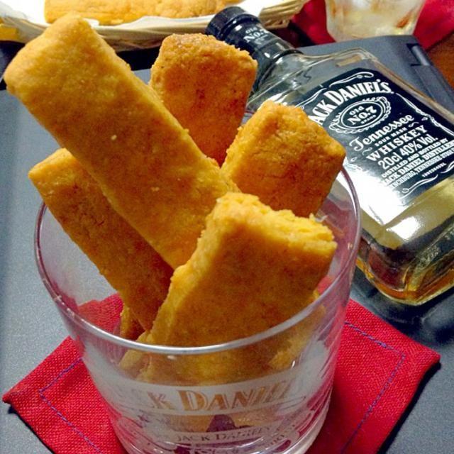 私のバイブルにさせてもらってる「アメリカ南部の家庭料理」という本がありまして、そこからのチョイスです。  チーズ好きにはタマリマセン (๑′ᴗ‵๑)I Lᵒᵛᵉᵧₒᵤ♥ サクサクで美味しく出来ました - 323件のもぐもぐ - チーズストロー                            Cheese straws by yoriko