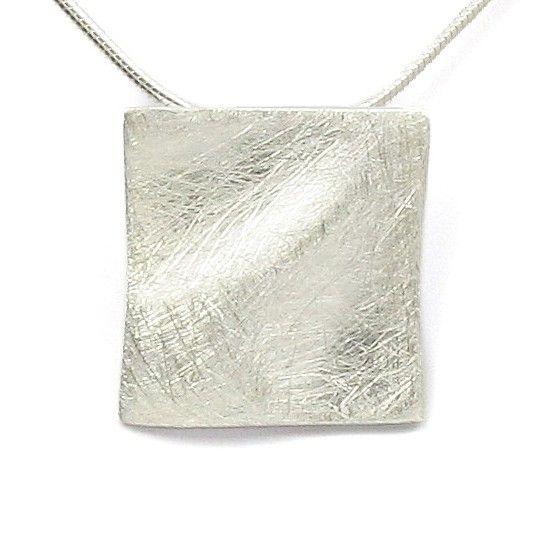 Colier și pandantiv argint Vinani pătrat mătuit vălurit