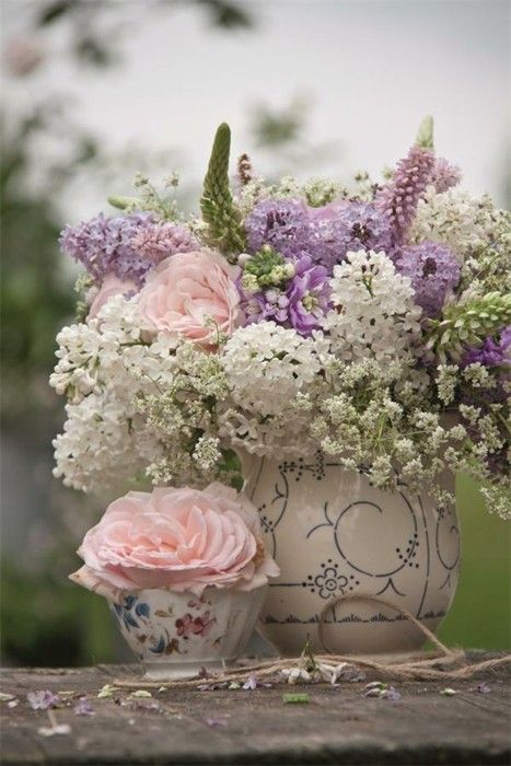 Pale pink, cream, white, lavendar, greens