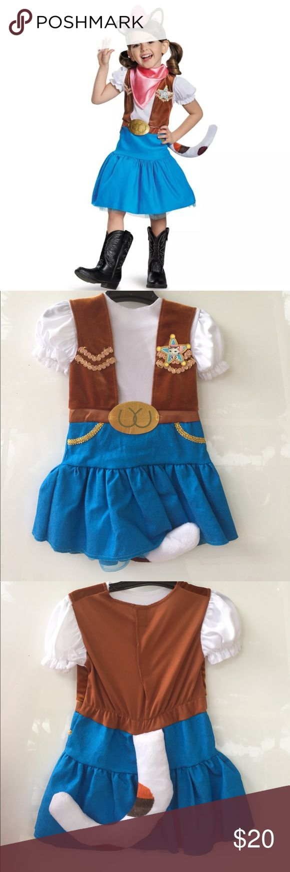 """Sheriff Callie Toddler Girls Costume size 2T Sheriff Callie Baby Girls Costume size 2T  Includes:  • dress with attached tail •  headpiece  •  bandana  Chest: 20-21""""  Waist: 19-20""""  Waist:20-21""""  Height:33-36""""  Weight 27-30 lbs Costumes Halloween"""