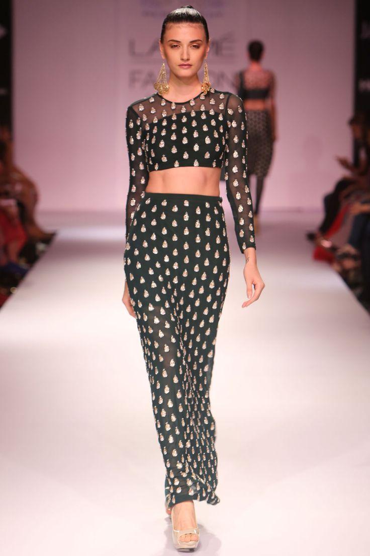 PAYAL SINGHAL AT LAKME FASHION WEEK. Shop straight off the runway: www.perniaspopups... #perniaspopupshop #amazing #beautiful #clothes #style #designer #fashion #stunning #trend #new #straightofftherunway #lakmefashion week #winterfestive