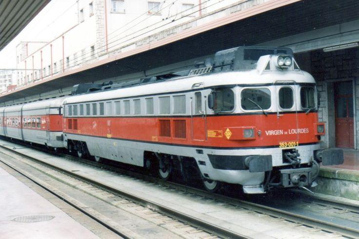 SERIE 353 de RENFE, antiguamente denominadas 3000-T podrían denominarse como las hermanas mayores y mejoradas de la serie 352 de Renfe, con más potencia y dos cabinas que simplificaba las maniobras. Esta serie contaba con un total de 5 locomotoras diésel hidromecánicas encargadas de remolcar el Talgo III construidas en Alemania por Krauss-Maffei, poseen de velocidad de más de 220 km/h remolcando Talgo III. Fueron encargadas para la inauguración del Talgo III RD (Rodadura Desplazable) para la…