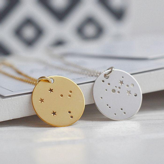 BIŻUTERIA ZE ZNAKIEM ZODIAKU. Zobacz na: https://laoni.pl/bizuteria-ze-znakiem-zodiaku #konstelacje #znakzodiaku #prezent #święta #biżuteria