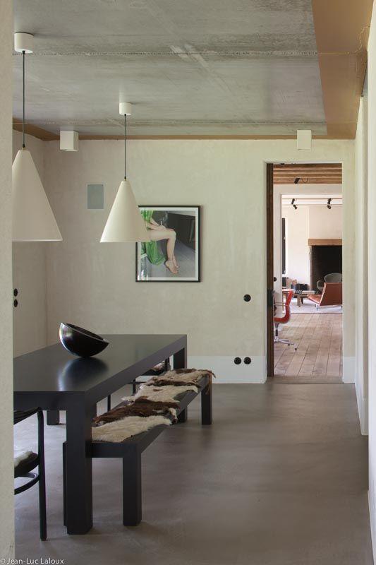 Simple pendant lights in dining area Ambient lighting in bathroom and hallway #designer #bespoke #lighting #lightingideas #architecture #home #design #interiors #interiordesign