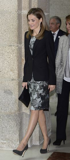 Letizia in Hugo Boss Ink Blot dress October 17, 2014