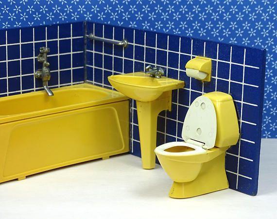 Doll house vintage bathroom sink tub toilet Lundby 1970s
