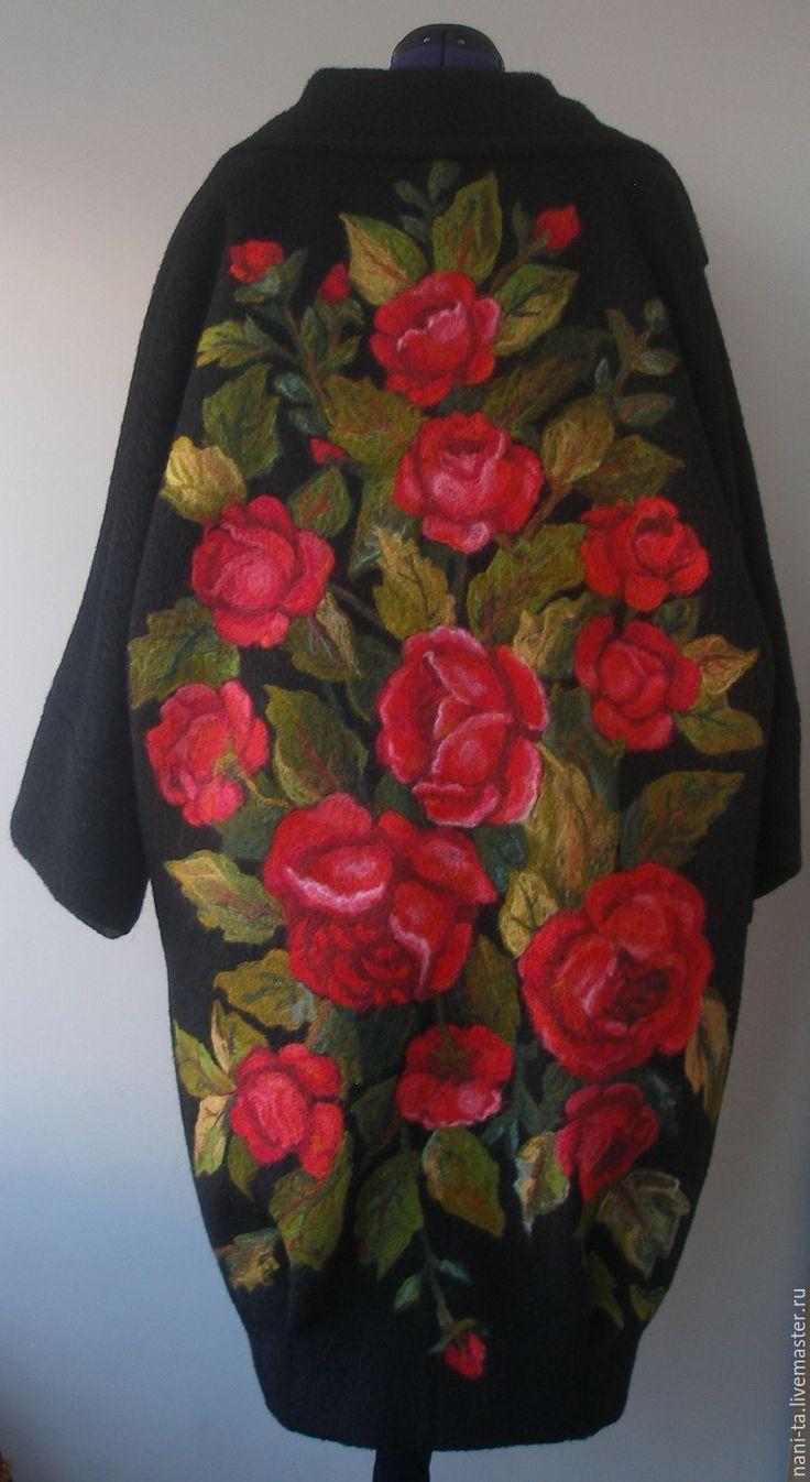"""Felted Coat. Купить Пальто из шерсти украшено методом сухого валяния.""""Красное и черное"""" - валяние из шерсти, пальто"""