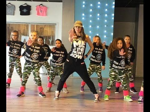 """Uptown Funk - Easy Kids Dance Fitness Warming-up Zumba Choreography. (LOL...and this is a """"warm-up""""? Lots of fun moves)"""
