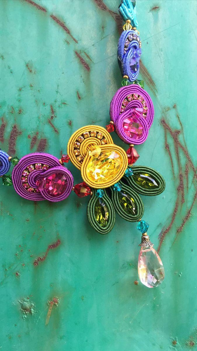 Folie necklace by Dori. #doricsengeri #colors #necklace #green #yellow #Crystalnecklace ֳ #handmade #jewelry #crystaljewelry