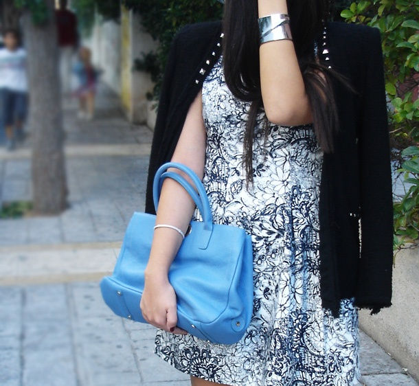 black and white with a hint on blue!  @ZARA