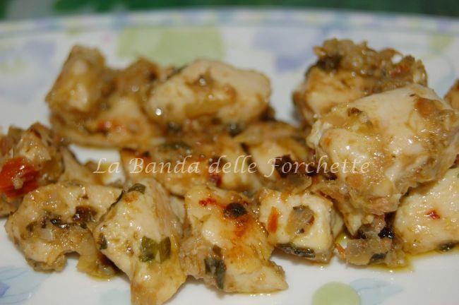 Ghiottonerie di pollo alla crema di carciofi e pomodorini secchi