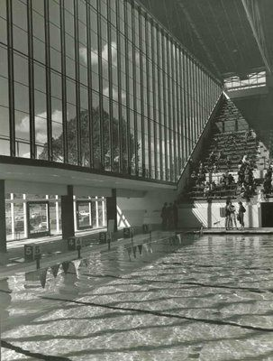 Melbourne 39 s 1956 olympic games swimming pool designed by john and phyllis murphy for Melbourne university swimming pool