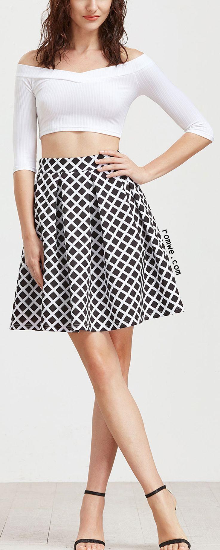 Black Grid Box Pleated Skirt