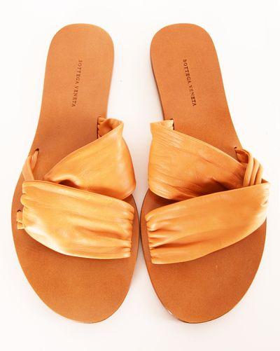 BOTTEGA VENETA FLATS http://shop-hers.com/products/12030-emmaloo-bottega-veneta-flats?medium=HardPin=Pinterest=type359=hardpin_type359