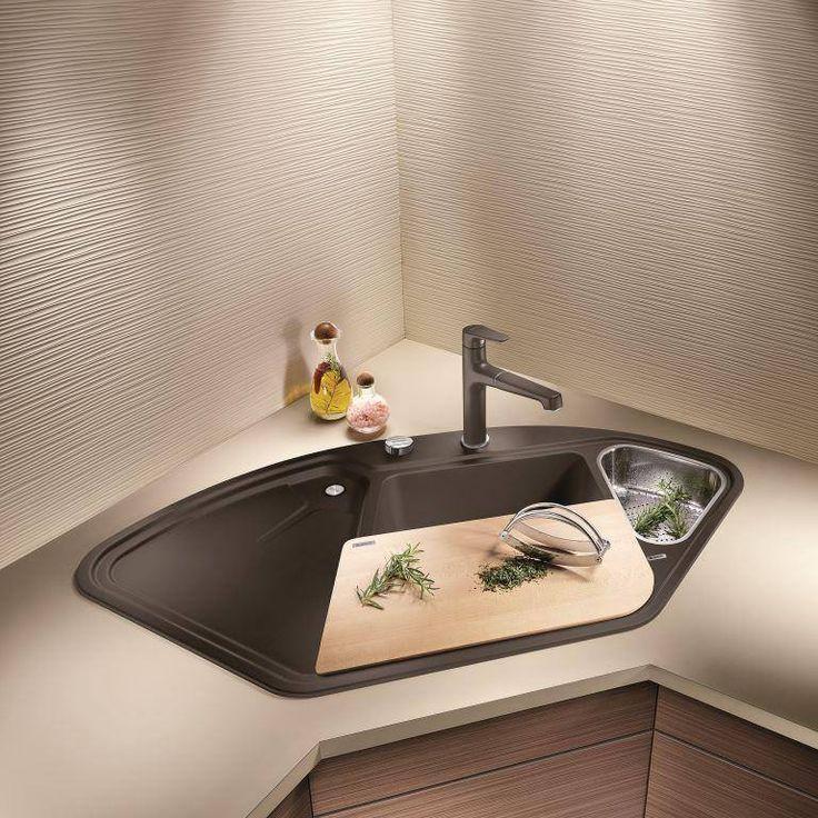 BLANCO DELTA II, SILGRANIT® PuraDur® ze stylowymi dodatkami: stalową odsączarką, deską do krojenia z drewna klonowego i baterią Felisa-S  Foto: Blanco