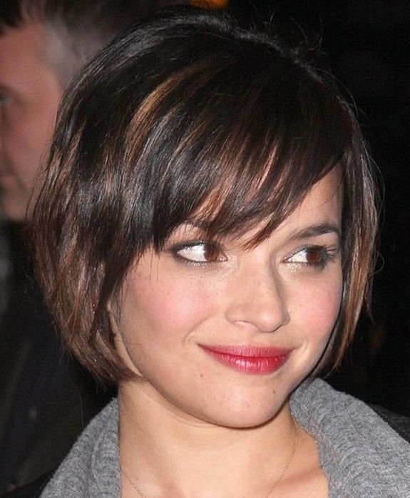 The 25+ best Hairstyle for small face ideas on Pinterest   Small ...