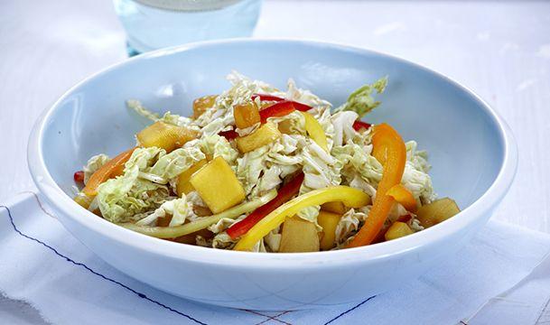 Κινέζικη σαλάτα με ανανά και μάνγκο