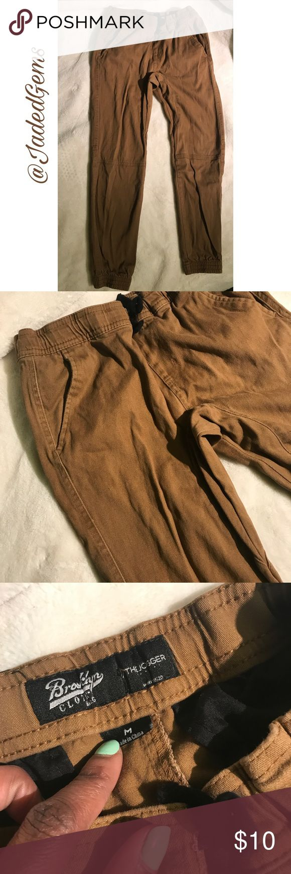 Boys Khaki Jogger pants Brooklyn Clothing brand Khaki joggers for boys - size M - 8/10 Bottoms Sweatpants & Joggers