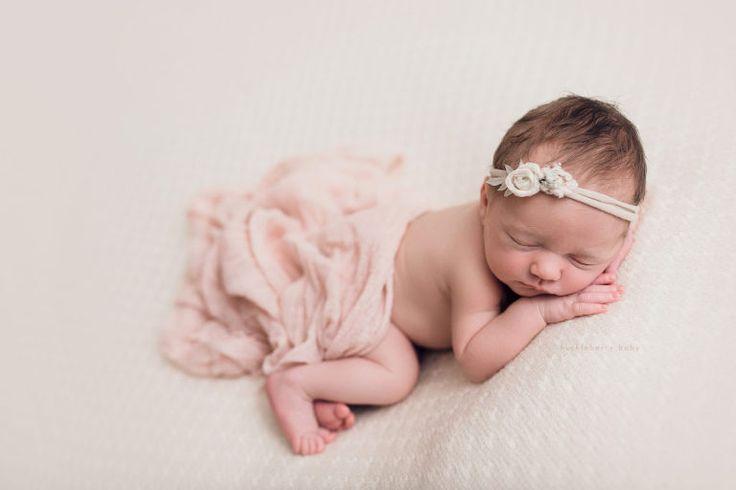 #newborn #baby #newbornphotography #babyphotography #pink #newbornposing huckleberry baby photography | bedford iowa baby photographer | eleanor | newborn session