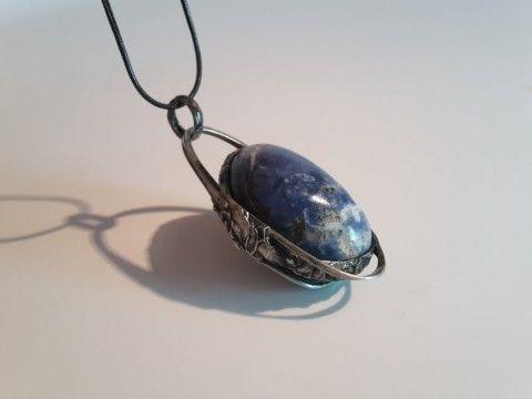 Náhrdekník, planeta Sodalit šperk náhrdelník minerál sodalit