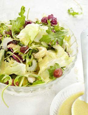 Groene gemengde salade met mosterddressing
