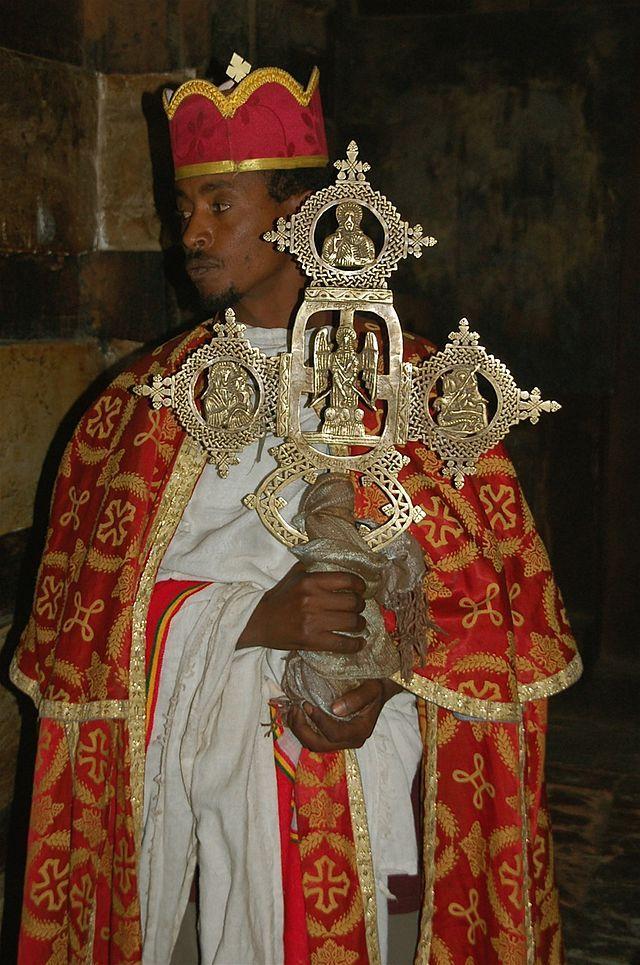 Prêtre Yemrehanna Krestos1 - Croix éthiopienne — Wikipédia