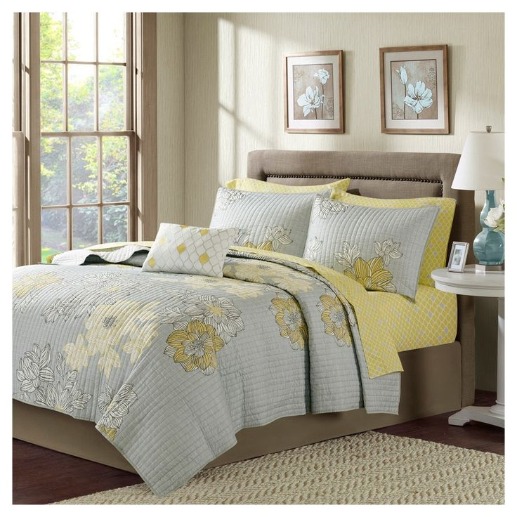 Grey Cornell Printed Quilt Set (