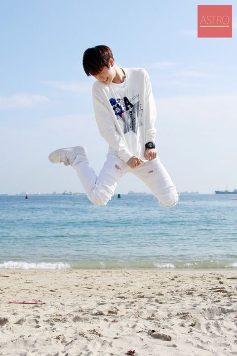 Never give up, Jump to the sky   MoonBin ASTRO