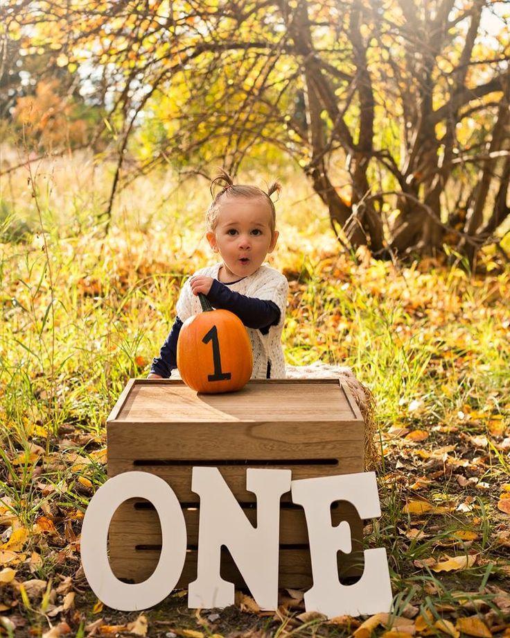 One year fall session. #katrinavancampphotography #highriver #pumpkin